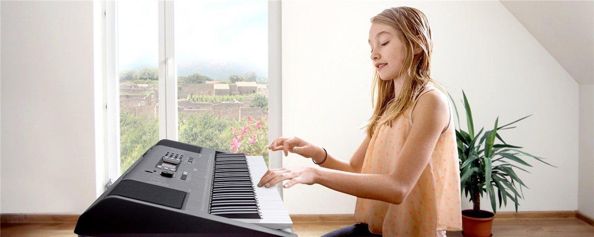 piano teacher wokingham yamaha